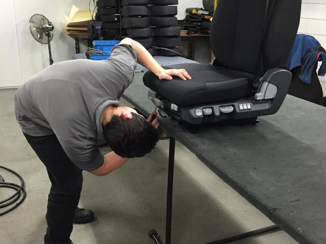 Reparatie stoelen in eigen werkplaats
